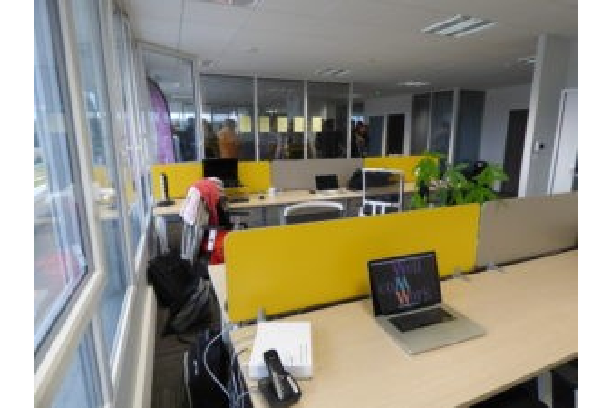 Coworking, Centre d'affaires de 350 m² en location  à Avoine